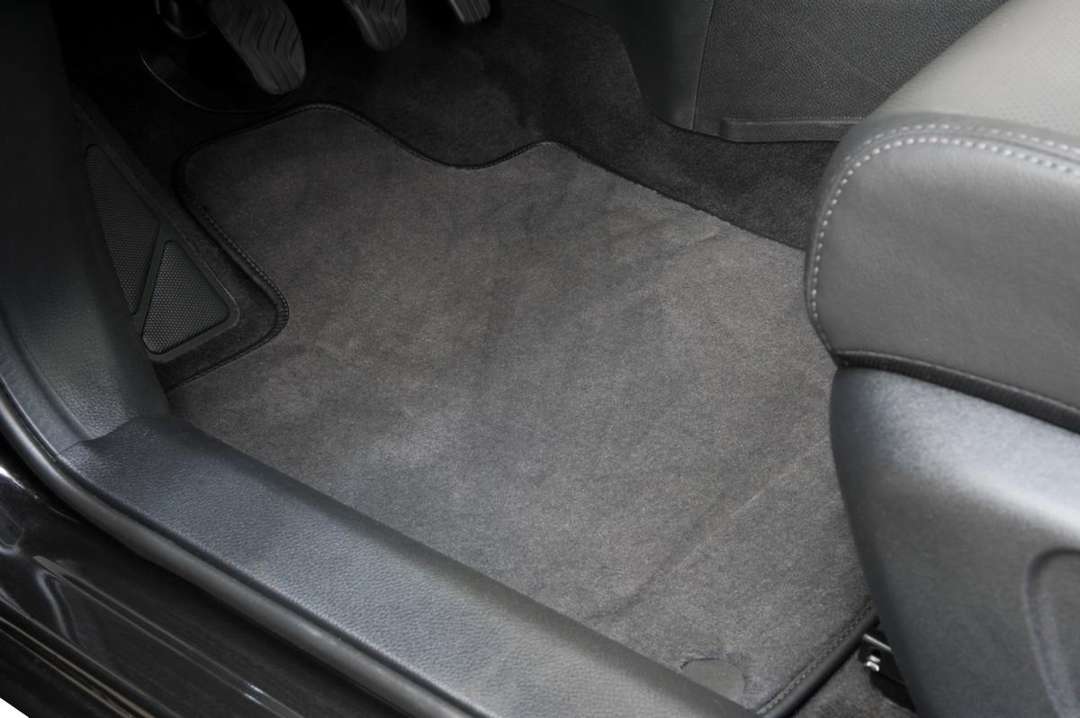 tailleurauto bien choisir son tapis de voiture blog. Black Bedroom Furniture Sets. Home Design Ideas