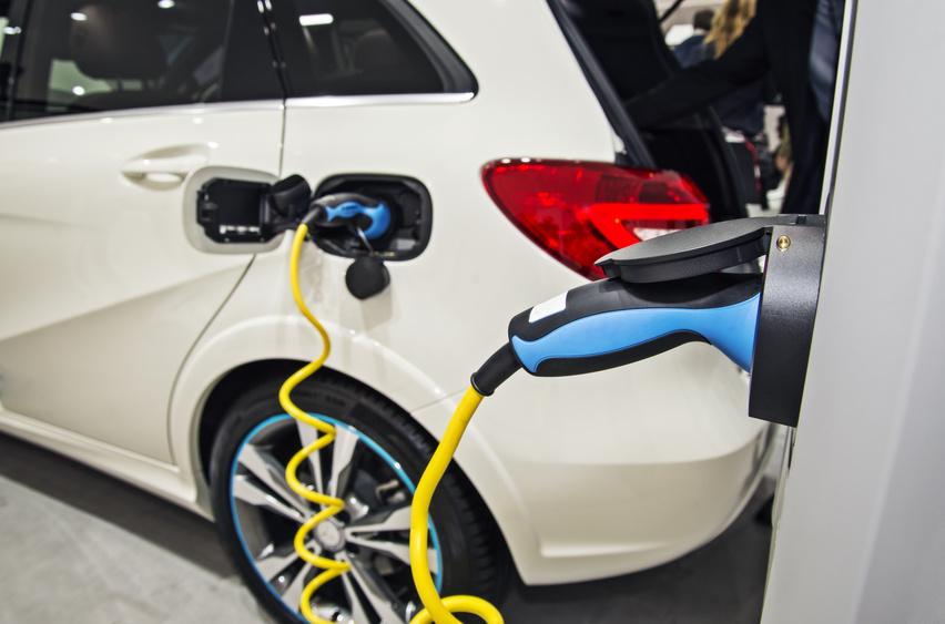 avantages voitures electriques tailleur auto